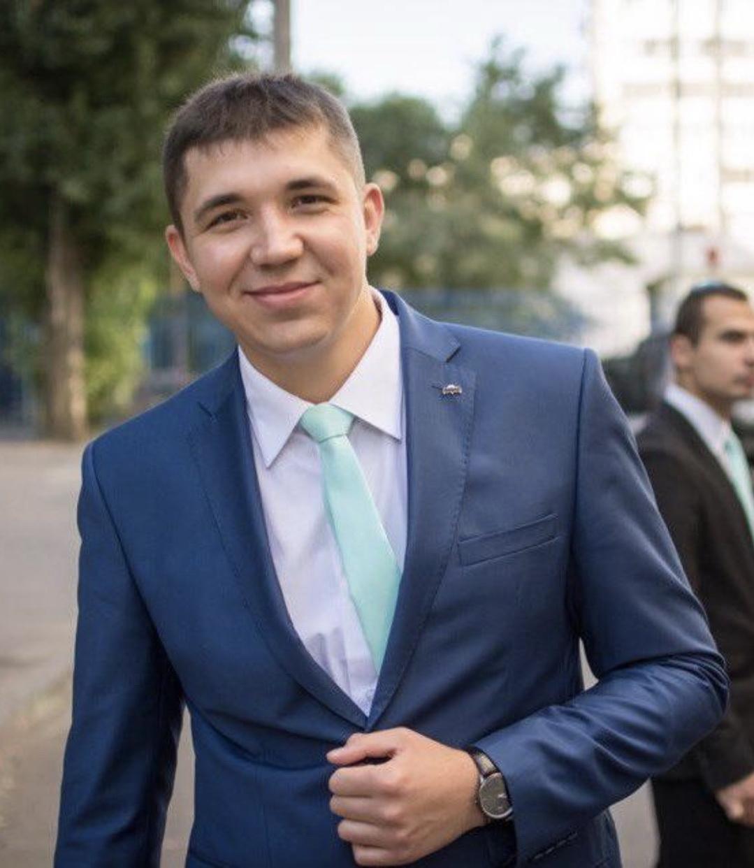 Олег Капика